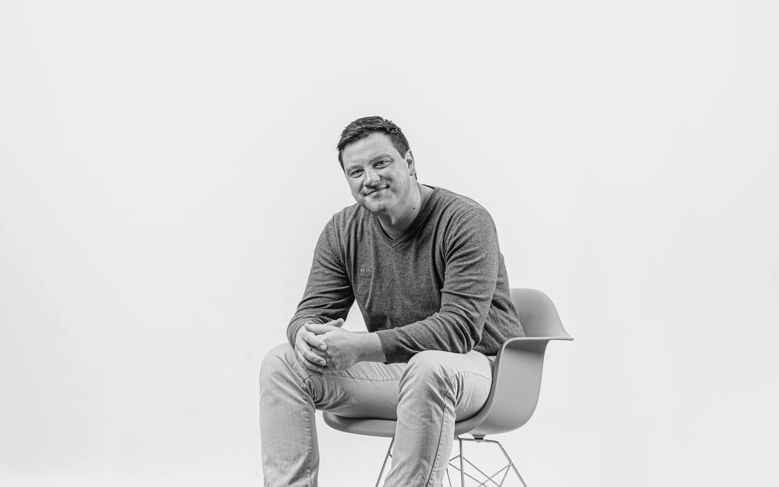 Profilbild von Markus Ulmer in schwarz-weiß