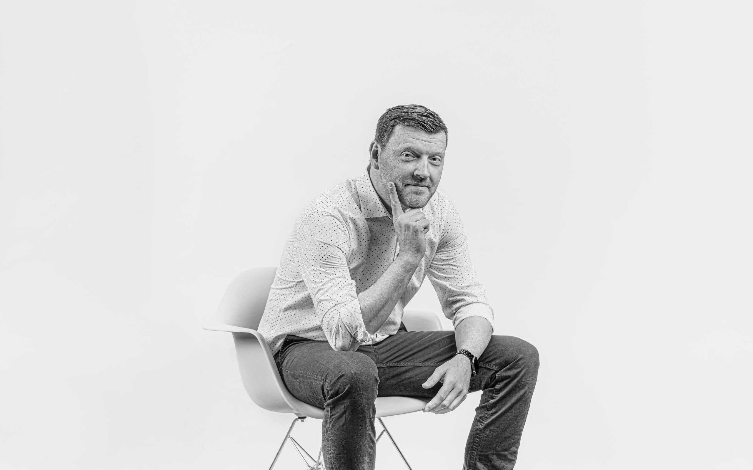 Profilbild von Rayk Lorz in schwarz-weiß
